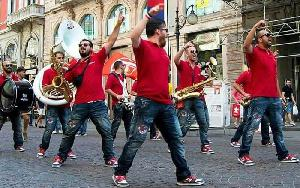 Large Street Band
